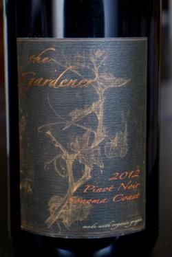 "Sonoma Coast Pinot Noir ""The Gardener"", Horse & Plow Winery 2012"